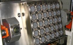 Мы поставляем термоформочные формы к европейским и азиатским термоформовочным машинам
